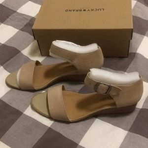 8958baa02 Lucky Brand Shoes - Lucky Brand Riamsee Sandal in Travertine